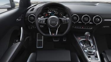 Audi TT S Roadster - dash