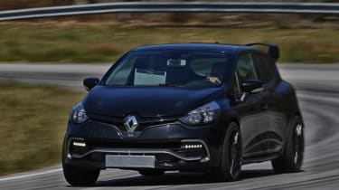 Renault Clio RenaultSport R.S.16 official - testing front cornering