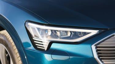 Audi e-tron - front light