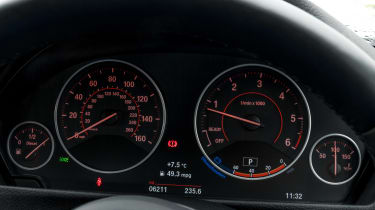 BMW 3 Series - instruments