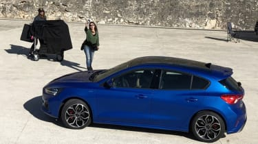 Ford Focus 2018 spy shot rear - Vezess magazine