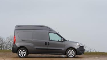 Fiat Doblo Cargo van 2015 - side