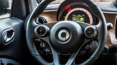 Smart EQ ForTwo - steering wheel