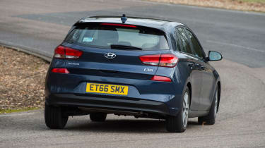 Hyundai i30 - rear cornering