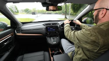 Honda CR-V - driving