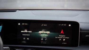 Mercedes-AMG CLA 45 S - dash
