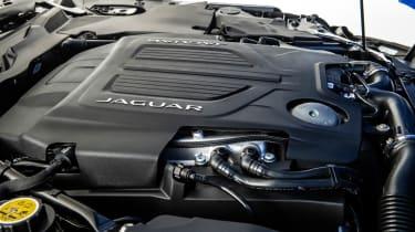 Jaguar F-Type - engine