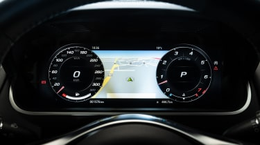 2020 Jaguar F-Type - digital display