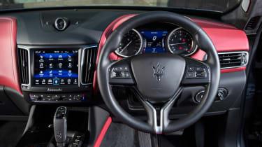 Maserati Levante GranLusso - dash