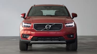 Volvo XC40 - Fusion Red full front
