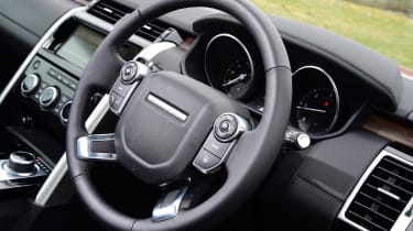 Land Rover Discovery - steering wheel