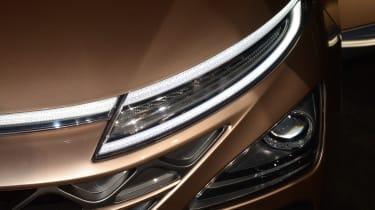 Hyundai NEXO - CES front light