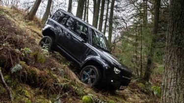 Land Rover Defender 90 V8 - front off-road
