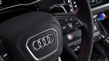 Audi RS Q3 - steering wheel