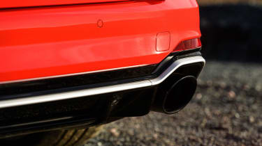 Audi RS 4 Avant - exhaust