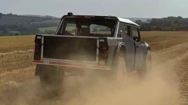 Fering Pioneer 4x4 - rear tracking