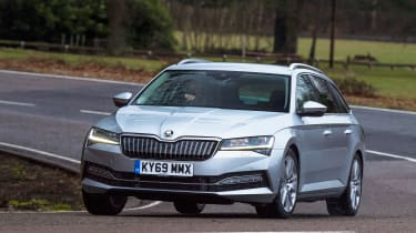 Skoda Superb iV - front cornering