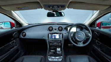 Jaguar XJ R-Sport 2015 interior