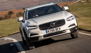 Volvo V90 Cross Country 2017 UK - front cornering