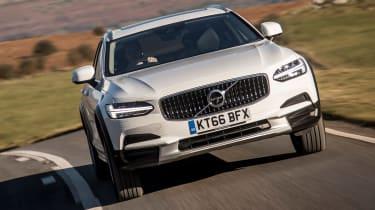 Volvo V90 Cross Country 2017 UK - front cornering