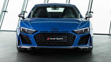 Audi R8 - studio full front