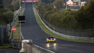 Porsche 911 GT2 RS Nurburgring record - straight