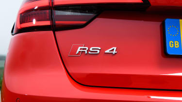 Audi RS 4 Avant - RS 4 badge