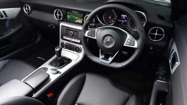 Mercedes SLC 180 - dash