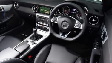 Mercedes SLC 180 - dash