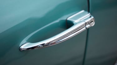 Aston Martin DB4 GT - door handle