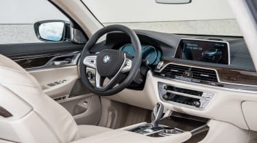 New BMW 7 Series 2015 front seats