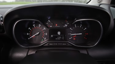 Hyundai Kona - dials