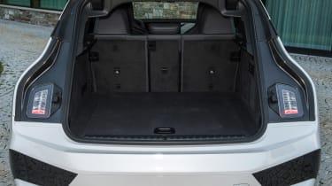BMW iX - boot