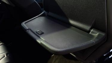 Peugeot 5008 - rear seat tray