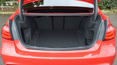 BMW 3 Series 2015 320d - boot