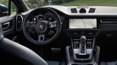 Porsche Cayenne Turbo Coupe - dash