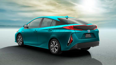 Toyota Prius Plug-in 2016 press rear