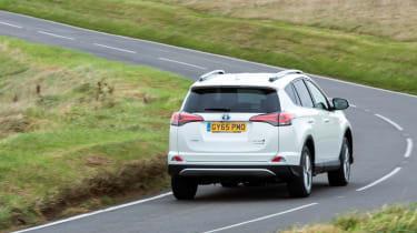 Toyota RAV4 Hybrid UK 2016 - rear cornering 2