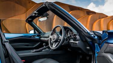 Mazda MX-5 RF Sport Black - interior