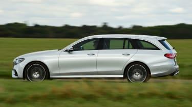 Mercedes E-Class Estate E220d UK - side tracking