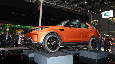 Land Rover Discovery at Paris 2016