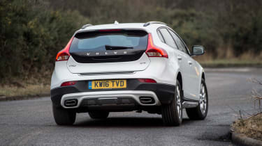 Volvo V40 Cross Country - rear cornering