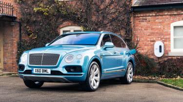 Bentley Bentayga Hybrid - charge
