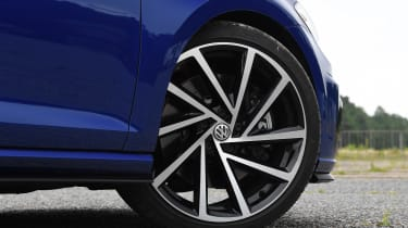 Volkswagen Golf R - wheel