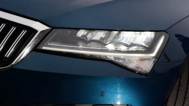 Skoda Superb - headlight