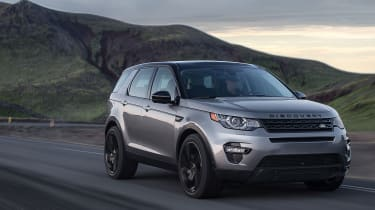 Land Rover Discovery Sport front tracking