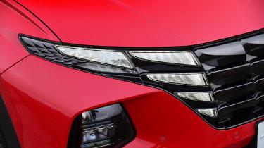 Hyundai Tucson MHEV - front light