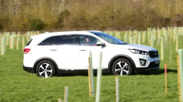 Kia Sorento long-term test - side tracking 3