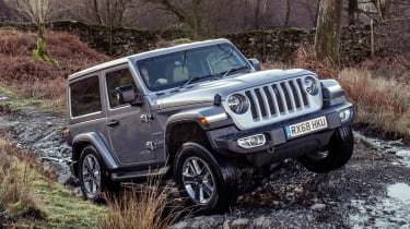 Jeep Wrangler  - front tracking off-road