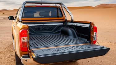 Nissan NP300 Navara pick-up dune - load bed